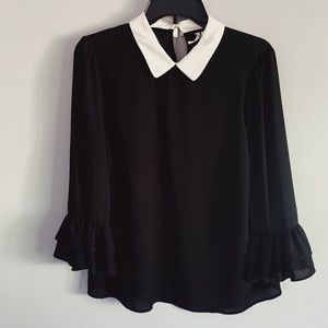 Collard blouse with flare sleeves
